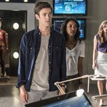 "The Flash 2.01 ""The Man Who Saved Central City"" Clip"